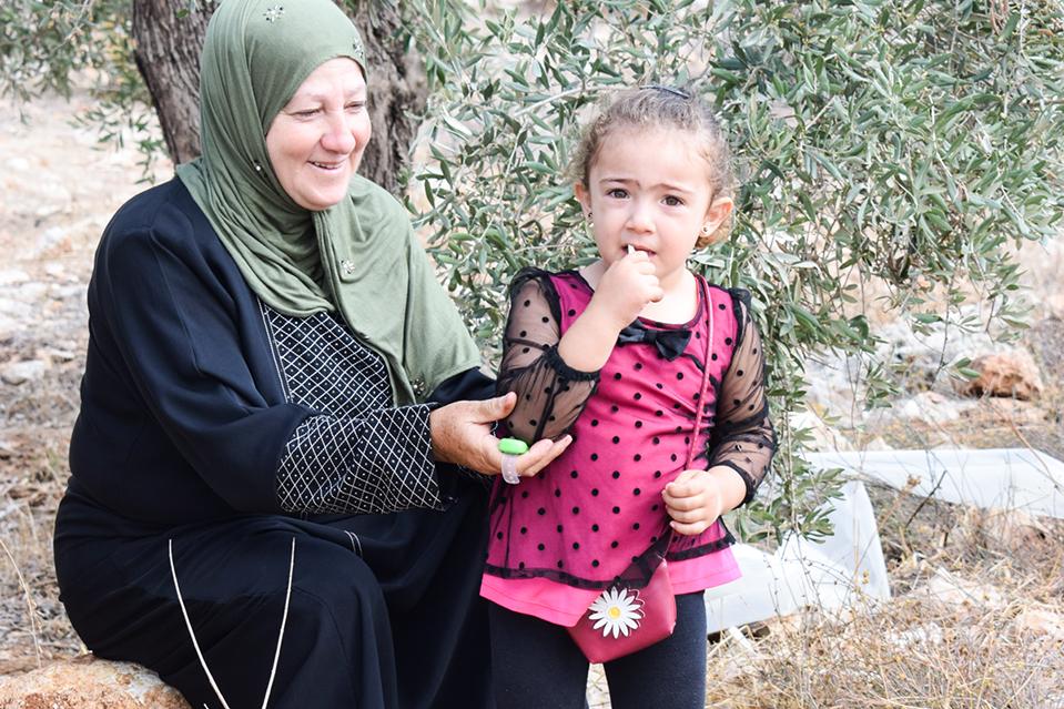 Trabajamos con mujeres de Khirbet Sir en Palestina