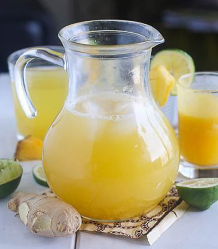 Zumo de jengibre, piña y limón