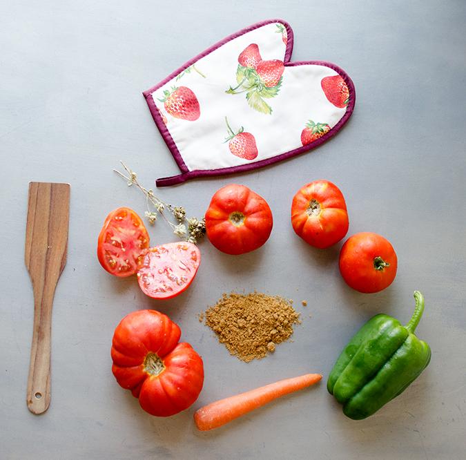 Salsa de tomate y verduras de temporada
