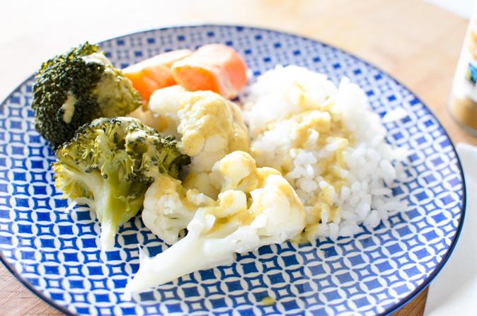 Verduras con salsa de coco y curry