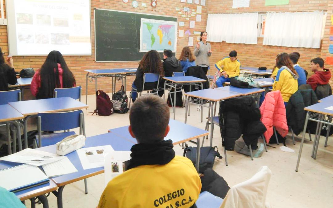 El Taller «El Viaje del cacao» acerca a los colegios la realidad de nuestro sistema comercial