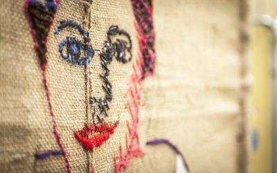 Tejiendo Juntas por la Igualdad. Taller de creación textil colectiva