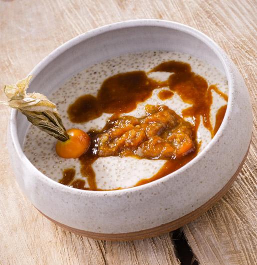 Quinoa con leche, caramelo y physalis caramelizado