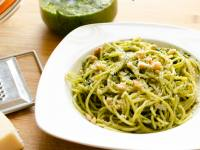 Spaguetti con quinoa y pesto de espinacas
