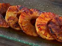 Piña asada con especias y zumo mango (o ron)